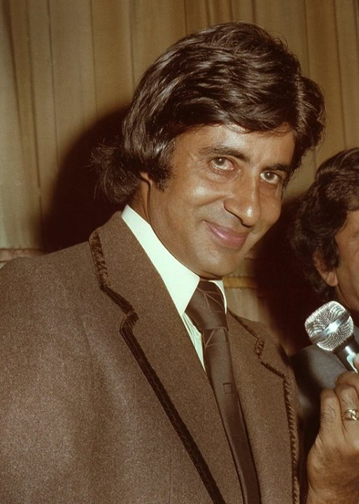 FB 2034 -  The premiere of 'Kaala Patthar' at Wembley , London .. goodness that was ages ago .. and the lovable Shashi ji with me .. what days !!🌿😀🍁