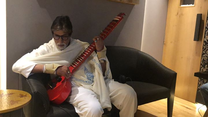 FB 2204 -  Just back from work .. its 4:30 AM .. and wanting to go back to it again .. its just that Niladri Kumar's ZITAAR prevents me from doing so ..a self created instrument by him .. and gifted to me .. I pose with it as though I am some pro !! 😂😂
