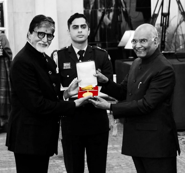 FB 2495 -  .. there are times in life when you are overwhelmed with emotion and gratitude .. tonight was one at the time when the President of India presented the Dada Saheb Phalke award to me at a most dignified and elegant ceremony at Rashtrapati Bhavan .. in humble gra🙏titude