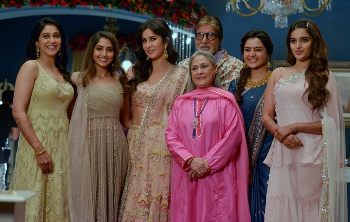FB 2620 - .. and with the ladies today at work .. all of them exceptional celebrity stars in their own right .. in their own environ .. another honourable day for Jaya and me  .. sad it, the scheduled work, has come to an end .. but then tomorrow is another DAY !🌹