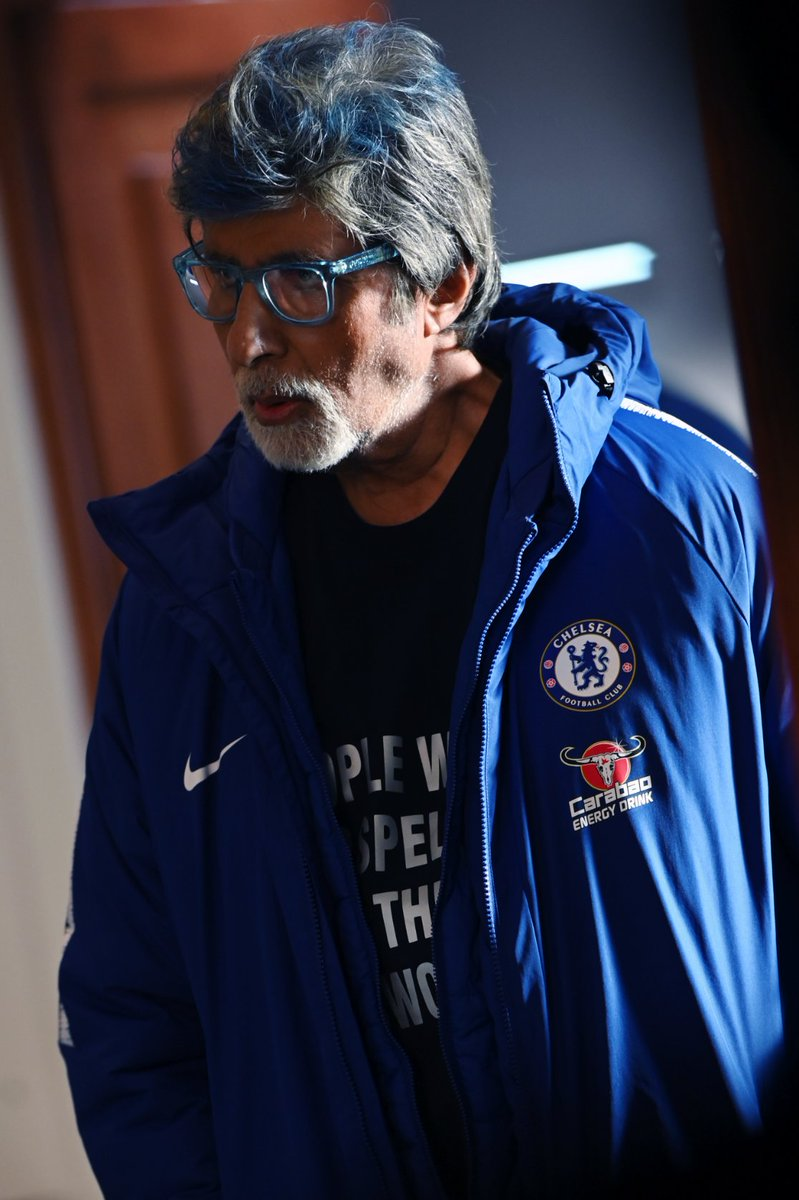 T 3259 -  ... streaks of 'blue'  .. in the hair for you  .. but the 'blues' on chest  .. for all the rest .. Chelsea be the best .. !!💪💪💪👍👍👍 https://t.co/52wuSEqrgp