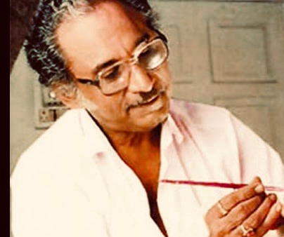 T 3445 - Pandhari Juker , passes away, prayers, condolences ..🙏 ..  pioneer, iconic make up Artist, of Film Industry .. trained all the prominent makeup artists of today .. brilliant, professional and a most endearing personality .. my very first make up was done by him https://t.co/skLeF0MWKM